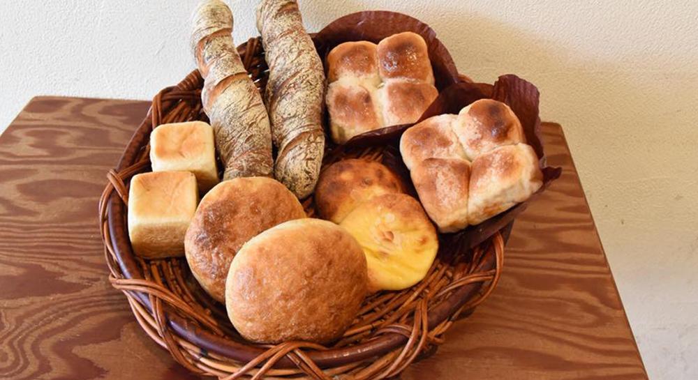 焼き立てパン「パネ・ポルチーニ」イメージ